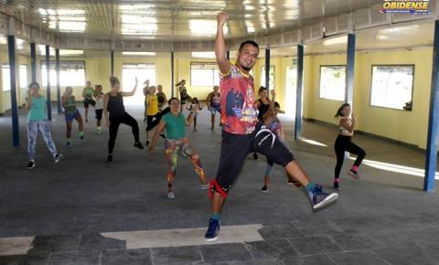 Em Óbidos aulas de danças tem ajudado muitas pessoas a saírem do sedentarismo.