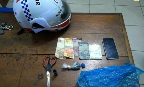 Em ÓBIDOS moto patrulhamento prende elementos com droga na Avenida Nelson Souza