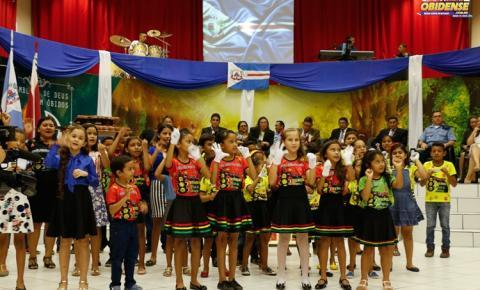 Em ação no seu maior templo, igreja Assembleia de Deus no município de Óbidos, faz homenagem aos 321 anos da cidade de Óbidos