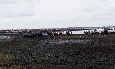 Após saída de Alenquer os trilheiros do Raid, chegaram no seu primeiro desafio após 30mn de muita lama no caminho