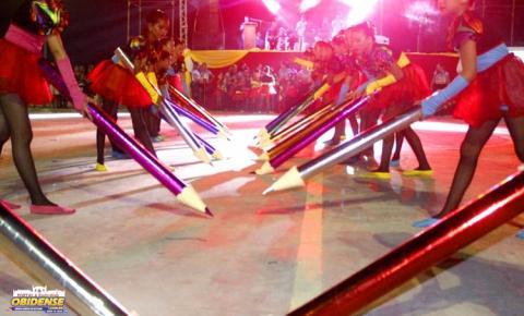 Segunda noite de apresentações das ginásticas escolares em Óbidos.
