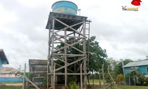 Caixa d'água ameaça cair e pode deixar mais de 20 famílias sem água na comunidade do Buiuçu área rural de Óbidos