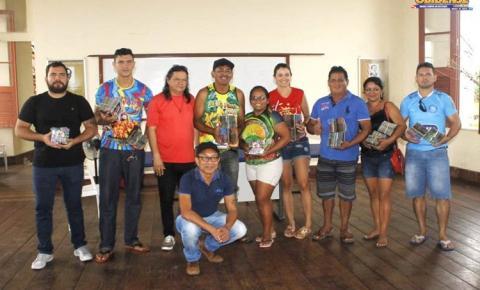 Entrega dos Cds com as músicas dos Blocos do Carnapauxis 2019, foi realizada na manhã desta segunda-feira (31).