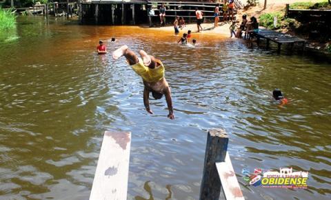 Ainda despercebida no balneário do Curuçambá, ambiente familiar indicamos o banho na terceira ponte.