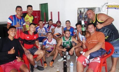 """Comunidade """"boleira"""" de Óbidos, se reuni em torneio realizado na quadra Nilton Melo."""