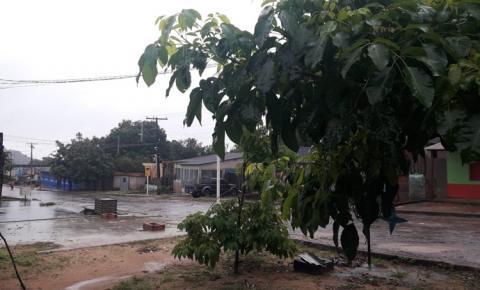 Cidade Presépio amanhece sob chuva em clima de frio
