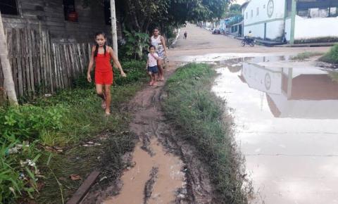 Travessa Mendonça Furtado sofre com fortes chuvas em Óbidos.
