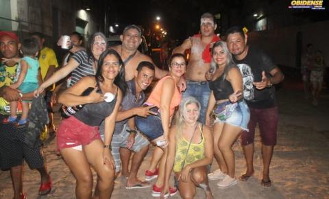 Bloco Pai da Pinga fez a festa na antepenúltima segunda-feira do boizinho.
