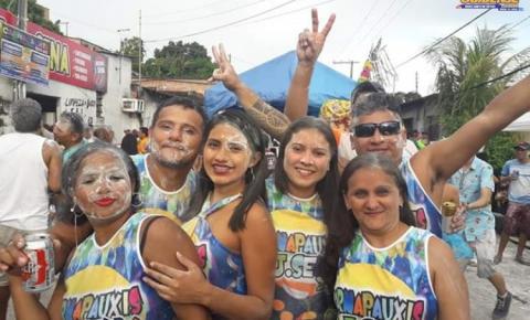 Obidenses que residem em Manaus, compareceram em massa para brincar Carnapauxis na J Sena em Manaus