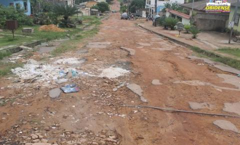Trav. Felipe Bentes sofre abandono de infraestrutura dos órgãos públicos municipais.
