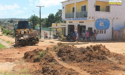 Primeiras vias do Bairro de Fátima começam a receber serviços paliativos para o recebimento de asfalto em Óbidos.