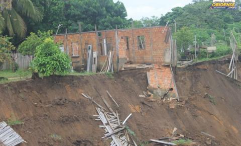 Deslizamento de terra na Trav. Juraci Matos volta a preocupar moradores em Óbidos.