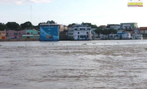 Nível do rio Amazonas continua a subir.