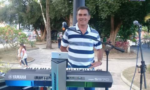 O obidense Idenilson Rodrigues é o cantor convidado do programa As Melhores do Povo deste sábado (13).