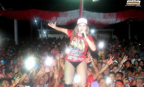 Banda da Loirinha anima público em mais uma edição do tradicional torneio e festa dançante do Internacional do Uruari.