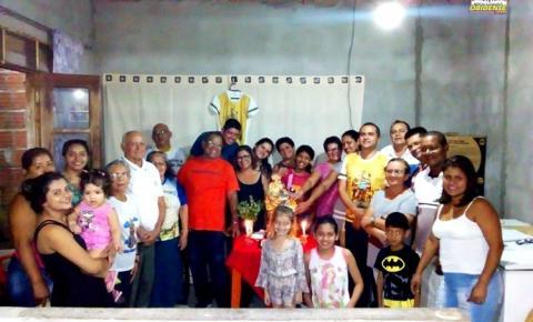 Sant`Ana peregrina visita nesta sexta-feira (03) a residência de Elen Botelho e Layza