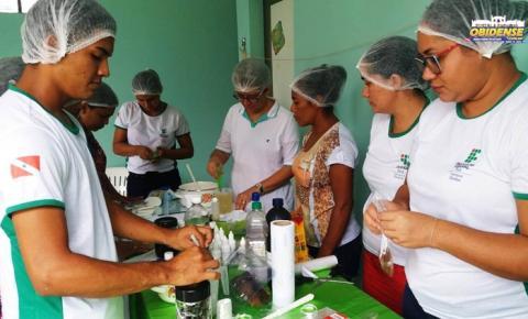 Alunos da IFPA campos Óbidos apresentam projeto de produção de sabonete
