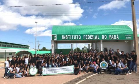 Estudantes do IFPA Campus Óbidos protestam contra corte de verbas do governo federal