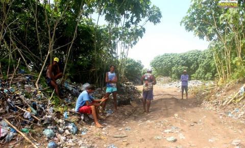 A triste realidade de catadores de lixo no município de Óbidos