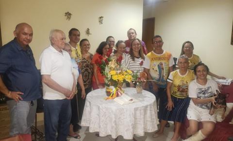 Sexta-feira (10) Sant`Ana peregrina visita as residências de Fabiano e Socorro Moreira e da Inácia, Socorro Viana e Anésia/Stone