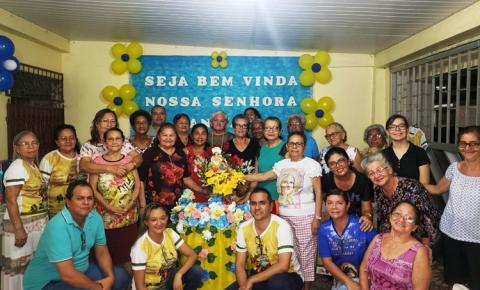 Nesta sexta-feira (16), Sant`Ana peregrina visita as residências de Nonata /Renata, Walda Matos e Daniely Matos