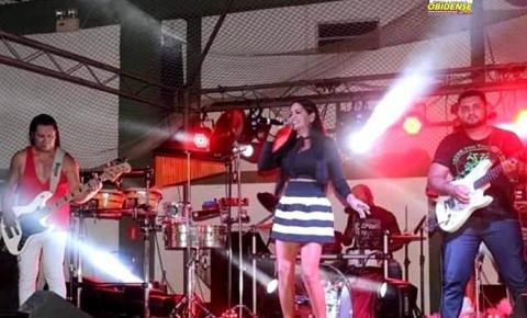 Nilce Marinho, uma cantora obidense que ama o que faz