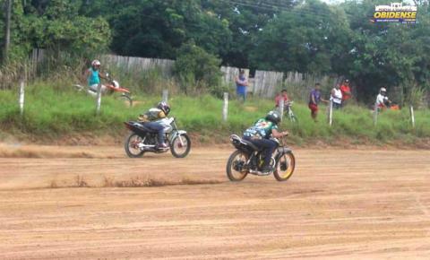Prova de arrancadão de motocicletas encerram o 2º dia de comemoração do aniversário da Super Banda Lazer em Óbidos