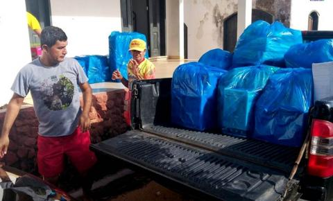 Prêmios enviados por devotos de Sant'Ana em Manaus chegam a Óbidos