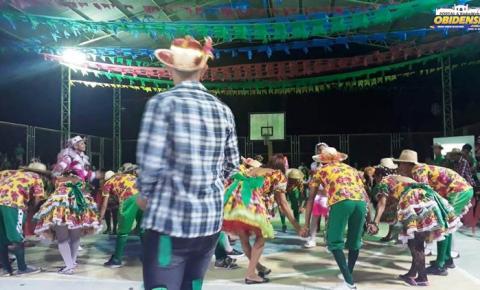 Na cidade de Prainha no Oeste do Pará a escola Pretexto da Costa Alvarenga realiza apresentação cultural
