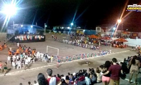 2° noite do Arraiá dos Pauxis em Óbidos, decepcionou público, das 10 atrações 9 não compareceram
