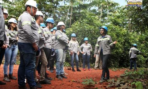 IFPA Óbidos tem aula de campo sobre reabilitação de mina em Juruti