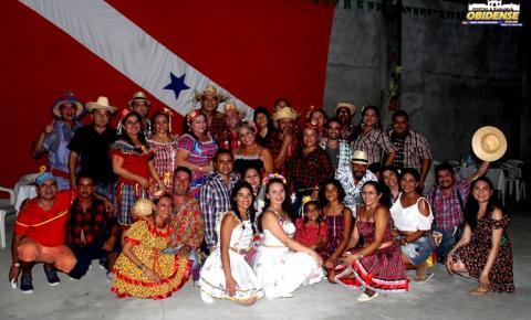Obidenses se reúnem em Manaus para brincar na quadrilha Olha Já na Roça que apresentou a Noiva do Museu