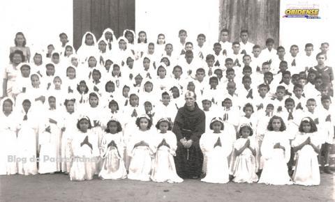 Turma de primeira Eucaristia em Óbidos. Década de 40