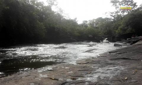 Conheça a cachoeira Cupim no município de Prainha