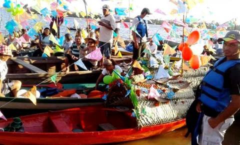 Bem regional, o tradicional Círio das Canoas aconteceu no sábado (27) no Rio Trombetas em Oriximiná - PA