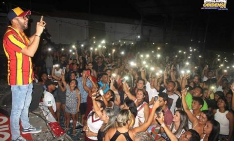 Filho de Óbidos, Uendel Pinheiro, fez show em Óbidos dia 20 e lotou o clube do Mariano