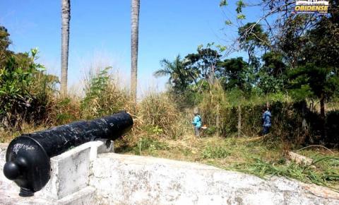 Serviços de podagem e capina estão sendo realizados no Forte Pauxis, em Óbidos