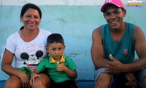 Crianças prestigiar os pais no campeonato de máster em Óbidos