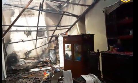 Incêndio em residência foi criminoso, segundo a polícia   Portal Obidense