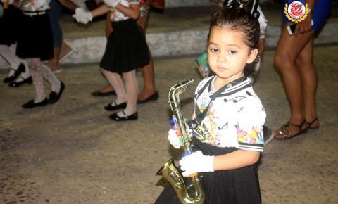 Musica - A arte no desfile dos alunos do Perpetuo Socorro | Portal Obidense