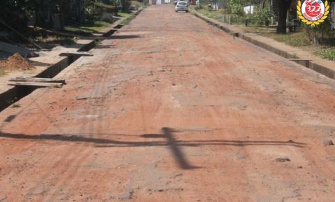 Buracos dificulta trafegabilidade na rua Alexandre R. de Sousa | Portal Obidense