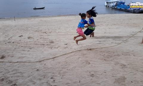 Crianças fazem exercício e atividade lúdica  na praia em Óbidos | Portal Obidense