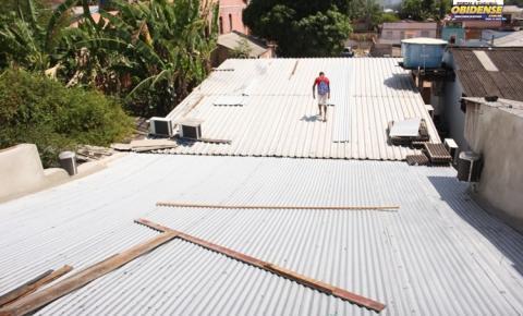 Obra no telhado da câmara municipal de Óbidos bota fim nas intermináveis goteiras | Portal Obidense