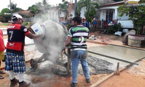 Moradores da Travessa Pio XII em parceria com prefeitura Municipal de Óbidos continuam serviço de calçamento da via | Portal Obidense