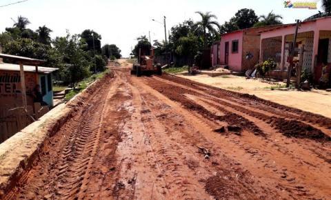 Rua da Cabanagem recebe serviço de terraplenagem e divide opiniões de moradores | Portal Obidense