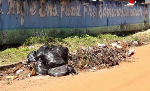 Sem coleta, lixos domésticos ficam as amostras pelas ruas de Óbidos | Portal Obidense