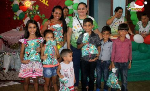 Crianças do bairro de Fátima em Óbidos recebem brinquedos doado de Manaus | Portal Obidense