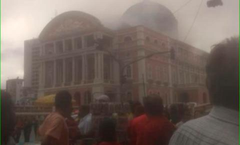 Fumaça encobre o Teatro Amazonas e foto repercute na web | Portal Obidense