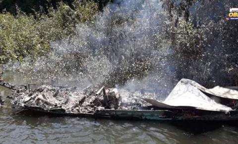 Botija de gás explode e destrói embarcação em Oriximiná   Portal Obidense