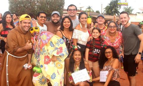 No arrastão do Morro, foliões foram os donos da festa | Portal Obidense